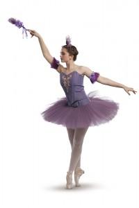 lilac-pose-02-h1000p